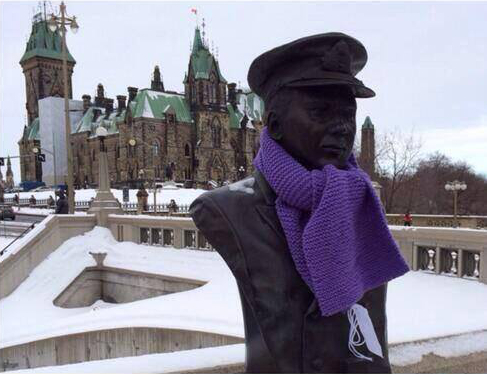This scarf isn't lost property, but an act of kindness in the cold ( http://www.reddit.com/user/justfnpeachy)