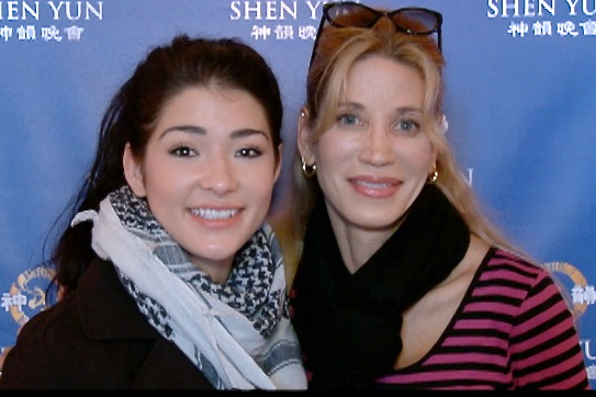 Ballerina Devon Blowers (L), and her mother, author Loren Blowers, were both amazed by Shen Yun Performing Arts at the War Memorial Opera House on Jan. 8. (Jennifer Liang/Epoch Times)