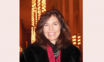 Former First Lady of Virginia Finds Shen Yun 'Beautiful'