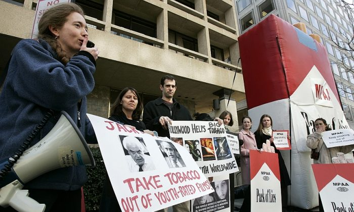 Demonstrators stand outside the office of the Motion Picture Association of America (MPAA) on Feb. 22, 2005 in a call to keep smoking imagery out of future film productions. (Photo by Alex Wong/Getty Images)