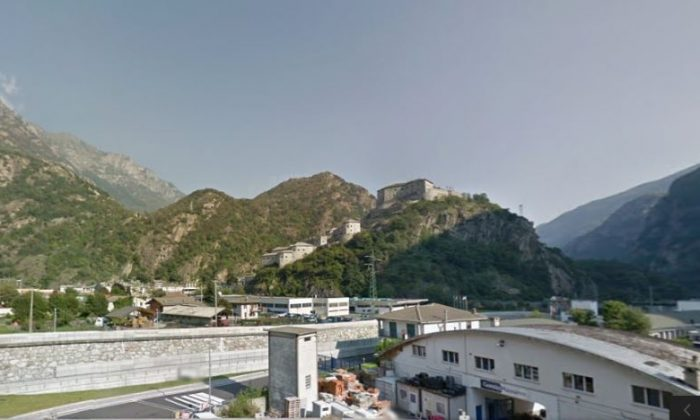 This Google Maps screenshot shows the Bart Fortress in Valle d'Aosta in Italy.