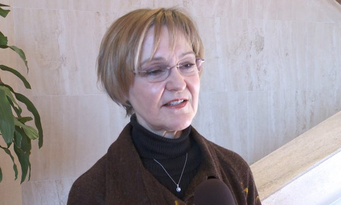 Professor Karen Kauffman shares her experience after watching Shen Yun Performing Arts at the Lyric Opera House in Baltimore, Maryland, on Jan. 18, 2014. (Courtesy of NTD Television)