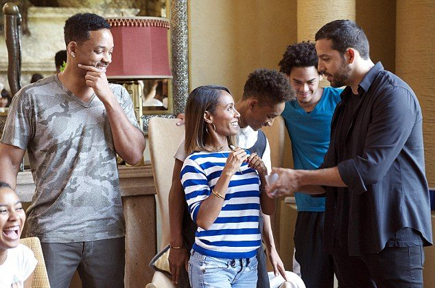 """David Blaine tricks Will Smith and Smith's family on """"Real or Magic."""""""