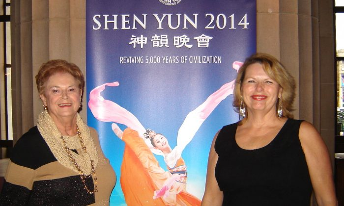 Lucille Kirks (L) and her daughter-in-law appreciated the beauty of Shen Yun at the War Memorial Opera House, Jan. 11. (Michelle Yang/Epoch Times)