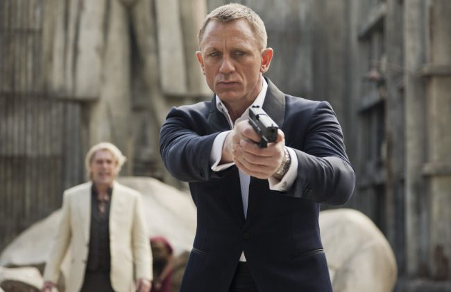 Skyfall (2012) with Javier Bardem as Raoul Silva and Daniel Craig as James Bond in Metro-Goldwyn-Mayer Pictures/Columbia Pictures/EON Productions    action adventure SKYFALL.(Sony)