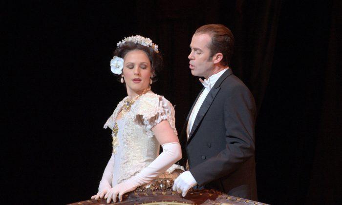 Soprano Leah Partridge (Violetta) and tenor Vale Rideout (Alfredo). (EugeneOpera/CallieColes)