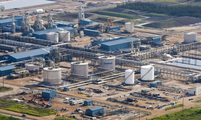 The Suncor Firebag oil sands facility near Fort McMurray. A new study is raising questions as to whether pollutants from the oilsands are being accurately measured and suggests that current federal estimates are underestimated. (The Canadian Press/Jeff McIntosh)