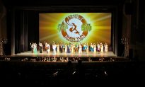 Chinese Tourists Come to S. Korea to Watch Shen Yun