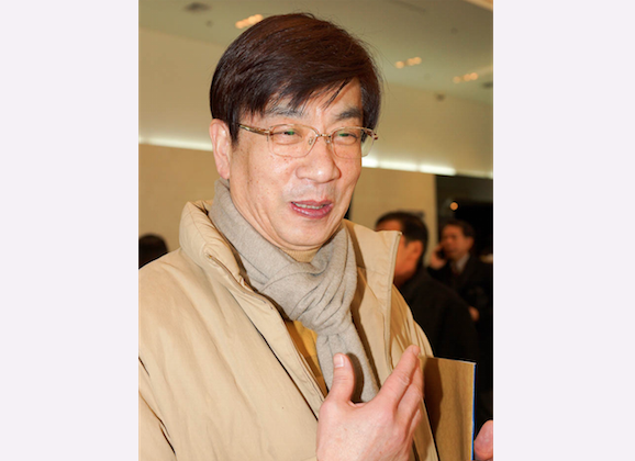 Kim, Sang-gil, headmaster of Ansan Design Culture High School, attends Shen Yun Performing Arts at Gyeonggi Arts Center, on Feb. 9, 2014. (Kim Guohuan/Epoch Times)