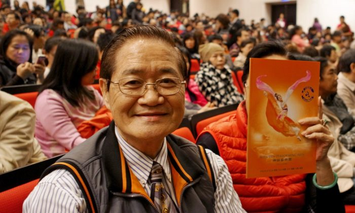 Professor Zhang Zhiqiang, a landscape painter and director, at Shen Yun Performing Arts at the Tainan Municipal Cultural Center, on Feb. 22.