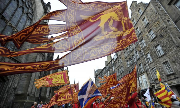 Pro-independence supporters gather in Edinburgh, Scotland on Sept. 21, 2013. (Andy Buchanan/AFP/Getty Images)