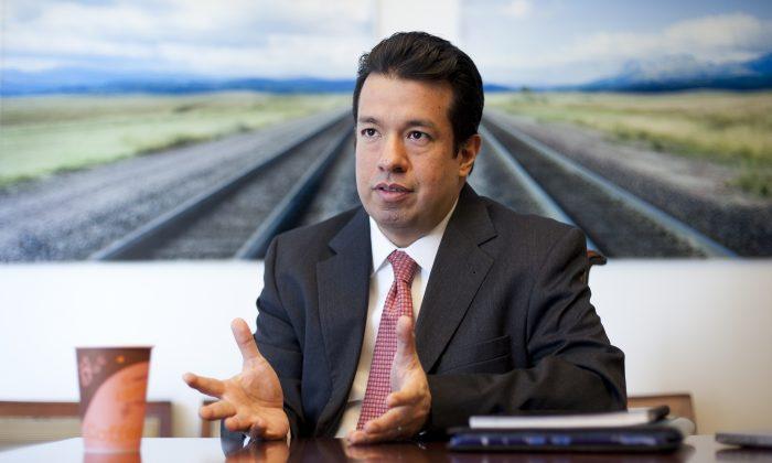 Arthur Flores, CFP, of Flores Financial Planning. (Samira Bouaou/Epoch Times)