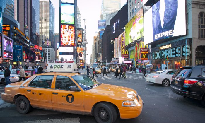Times Square at Broadway and 46th Street, New York, Feb. 10, 2014. (Samira Bouaou/Epoch Times)