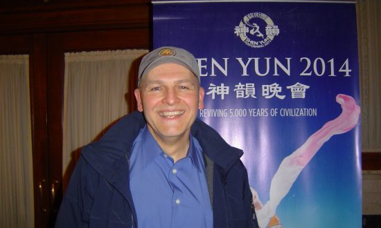 Musician Says Shen Yun 'Felt like being above where you were'