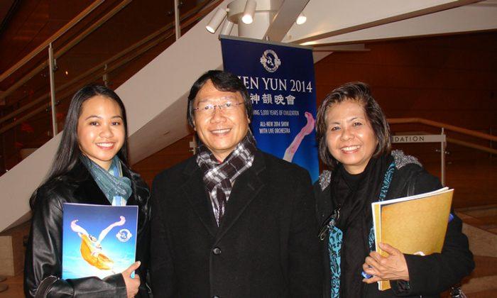 Dr.John Blaza, Dr. Glenda Blaza and Jessica Blaza enjoy Shen Yun Performing Arts at the Dayton's Mead Theatre on Feb. 25. (Courtesy of NTD Television)