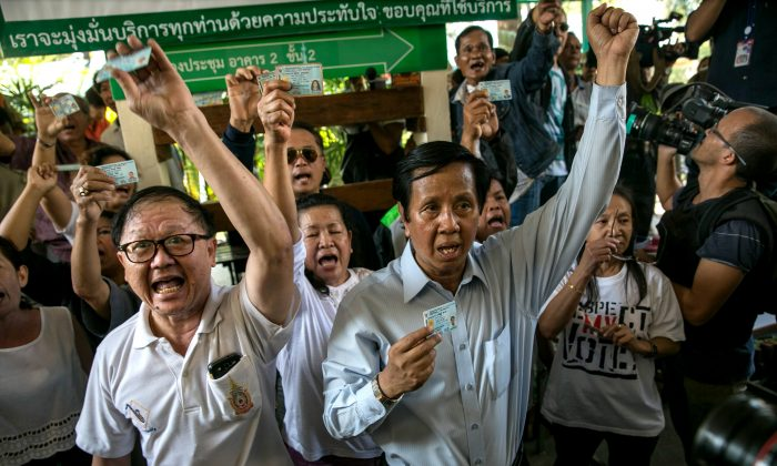 Angry residents yell at police and officials for not being able to cast their ballot in Bangkok, Thailand, Feb. 2, 2014. (Paula Bronstein/Getty Images)