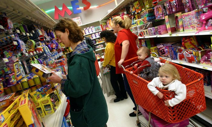 Simple precautions can keep children safe in the grocery store. About every 22 minutes a child is given emergency medical care for accidents involving shopping carts. (ROBYN BECK/AFP/Getty Images)