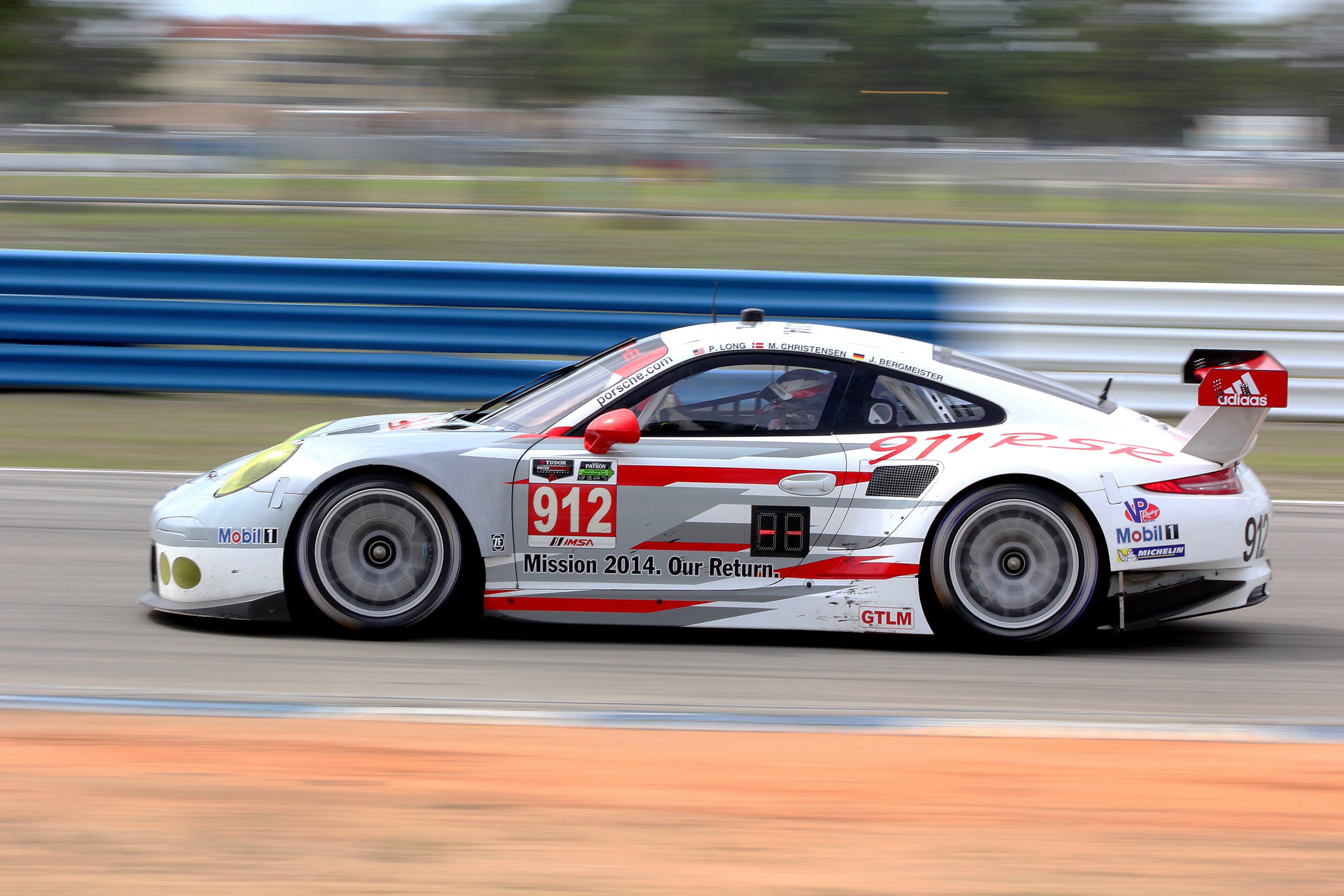 The Porsche North America 911 RSR #912 was quickest in the morning with a lap of 2:00.41 at 112.162 mph, the quickest GT lap of the Test so far. (Chris Jasurek/Epoch Times)