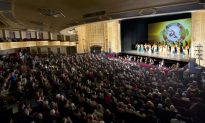 Doctor Feels Touched by Shen Yun Song Lyrics