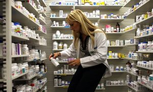 FDA: Long Drug Warnings Hide Risks
