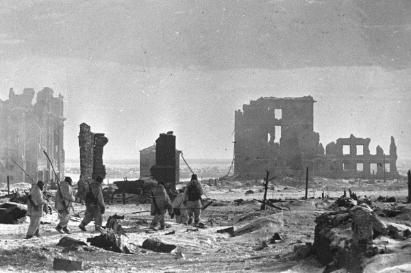 The center of the city of Stalingrad after liberation from the German occupation. (George Zelma via Wikimedia Commons)