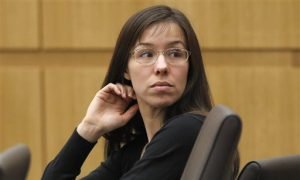 Jodi Arias: Official Twitter Account Claims Sheriff's Office is Stealing Jodi's Magazines