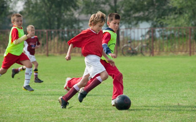 New research suggests that playing sports in youth helps build bone density and preserve bone health in old age. (Shutterstock)