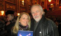 Magazine Editor Entertained by Shen Yun