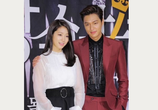 Park Shin-Hye and Lee Min-Ho attend the SBS Drama 'The Heirs' press conference at Patio9 on October 7, 2013 in Seoul, South Korea. (The Chosunilbo JNS/Multi-Bits via Getty Images)