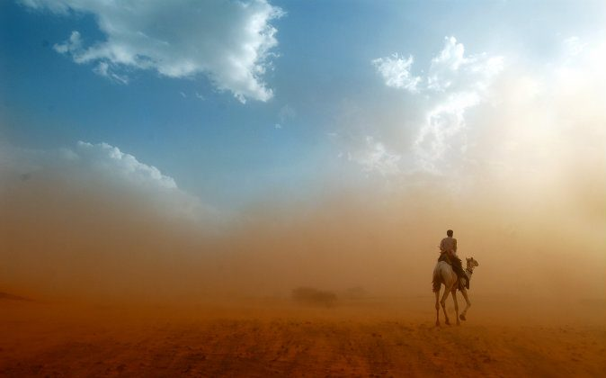 A file photo of a sandstorm. An elderly man called police in Abu Dhabi asking them to stop a sand storm, please, reported the Gulf News. (Shutterstock*)