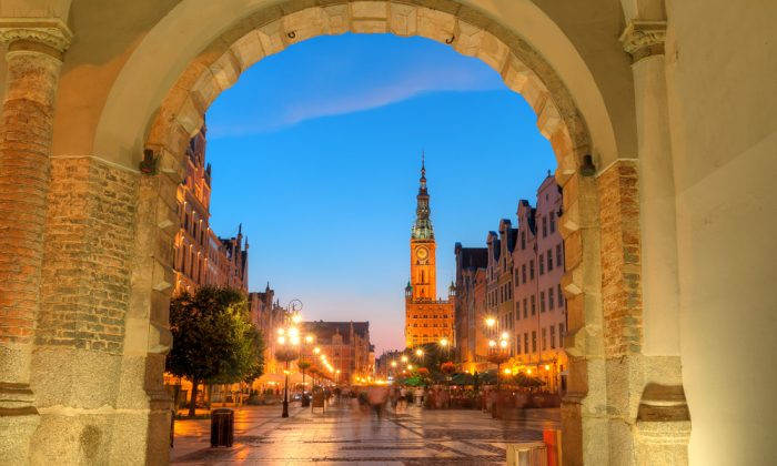 City hall of Gdansk at night, Poland. (*Shutterstock)