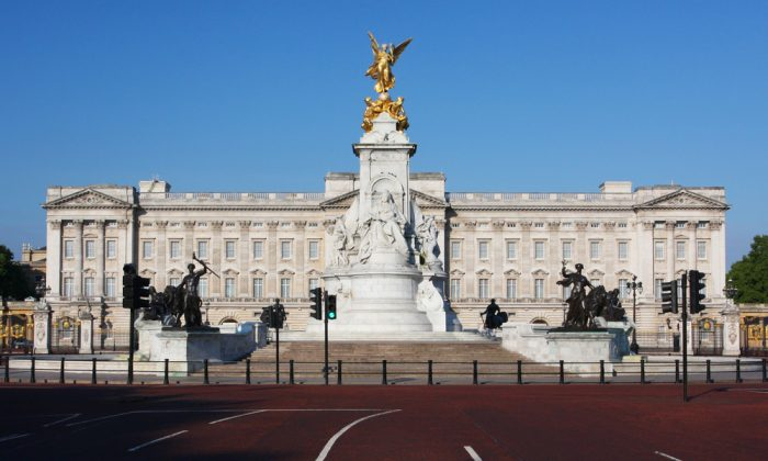 The official London residence of the British monarch ,Buckingham Palace, on June 12, 2011. (Dan Breckwoldt / Shutterstock.com)
