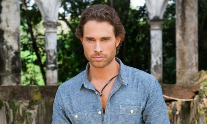 Sebastián Rulli plays Alejandro Almonte on Univision's primetime telenovela, who will be facing more jail time in the upcoming episodes. (Televisa)