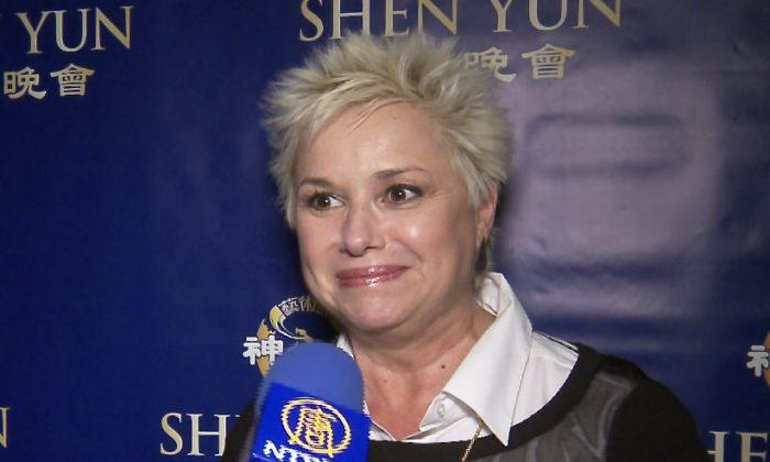 TV Host, Author, and Keynote Speaker Loves Shen Yun