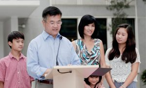 Gary Locke's Opinion on Chinese People? This is Viral in China