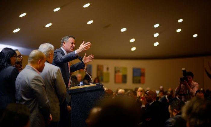 Mayor Bill de Blasio speaks at the SOMOS Labor Breakfast in Albany on Saturday, March 22, 2014. (Rob Bennett for the Office of Mayor Bill de Blasio)