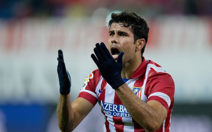 MADRID, SPAIN - OCTOBER 27: Diego Costa of Atletico de Madrid protests to the referee after a fault during the La Liga match between Club Atletico de Madrid and Real Betis Balompieat at Vicente Calderon Stadium on October 27, 2013 in Madrid, Spain.  (Photo by Gonzalo Arroyo Moreno/Getty Images)