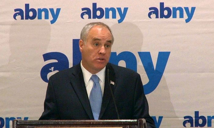 New York State Comptroller Thomas DiNapoli speaks at a breakfast hosted by the Association for a Better New York, March 12, 2014. (Seth Hirsch)