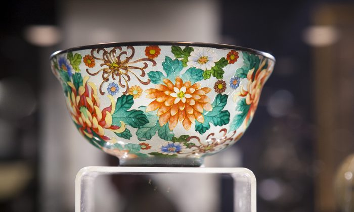 A Japanese plique-à-jour flower bowl at the booth of Michael Bound at the Bohemian National Hall, Upper East Side, New York, March 14, 2014. (Samira Bouaou/Epoch Times)