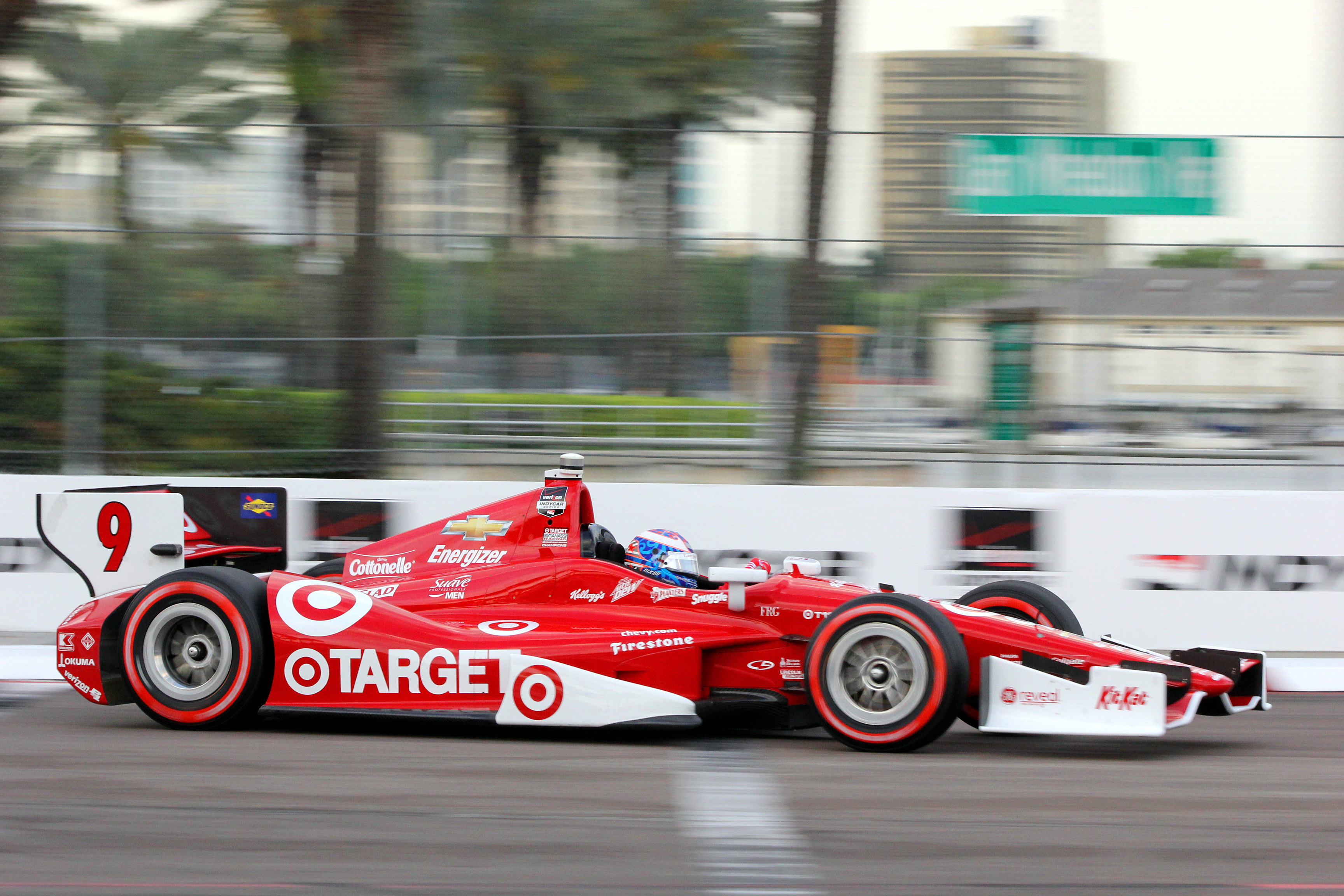 Three-time IndyCar champion Scott Dixon in the #9 Target Ganassi car had to be satisfied with fifth. (Chris Jasurek/Epoch Times)