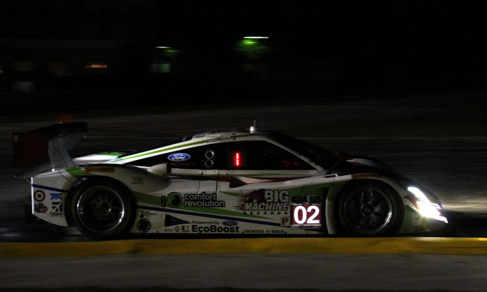 Scott Dixon in the #02 Ganassi Riley-Ford was quickest in night practice for the TUSC 62nd Sebring 12 Hours. (Chris Jasurek/Epoch Times)