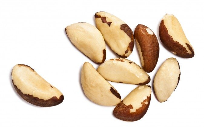 Brazil nuts should be eaten raw, sprouted (soaked in water for an hour or two), or dry-roasted without salt. (photolog/photos.com)