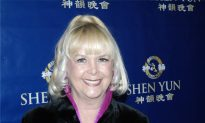 Children's Theater Director Enjoys Shen Yun With Her 'Heart and Soul'