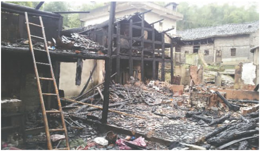 A Chinese migrant worker's 12-year-old daughter tried to get her mother to come home using arson, and caused damage to three neighbor's properties. (Screenshot/ecns.cn)