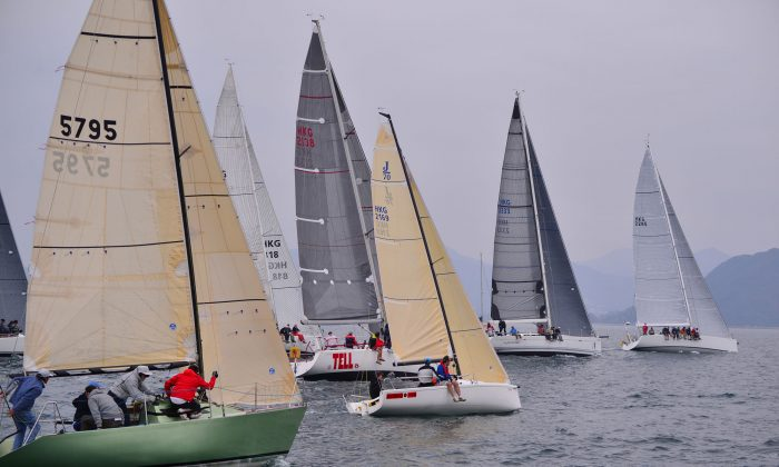 IRC boats set off for Race-3 of the Hebe Haven Spring Saturday Series in Shelter Cove on Saturday Mar 15, 2014. (Bill Cox/Epoch Times)