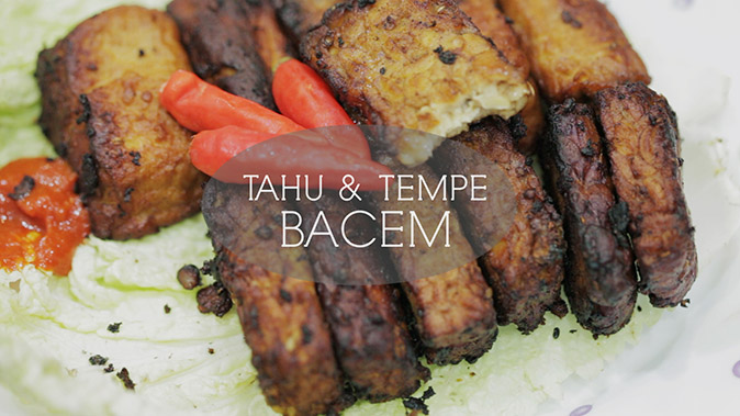 One of the best ways to eat Tahu & Tacem bacem is with chili peppers or chili sauce. (Food Ease TV)