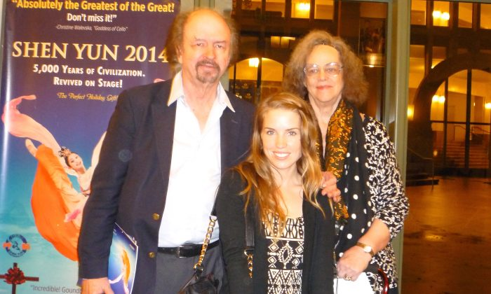 Shen Yun Draws Loyal Fans in San Diego