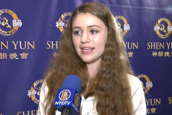 Young Dancer Impressed With Shen Yun Dancers