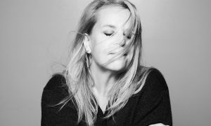Mary Chapin Carpenter Sings with the Philharmonic