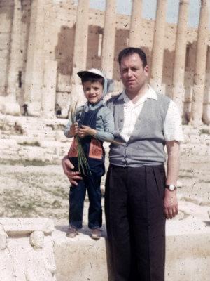https://img.theepochtimes.com/assets/uploads/2014/03/Omar-and-Nasser-in-Palmyra-Syria-in-1961.-Nasser-Rabbat2.jpg